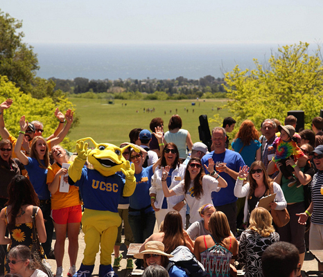 Photo of Sammy the Slug and other attendees at the picnic.