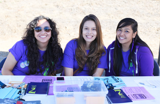 Move-in day *moves* more smoothly with UCSC's stellar student volunteers.