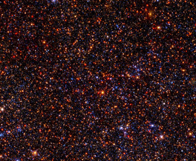 This Hubble image of a crowded star field in the disk of the Andromeda galaxy shows that stars of different ages can be distinguished from one another on basis of temperature (as indicated by color) and brightness. (Image credit: Ben Williams and the PHAT collaboration)