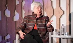 Former Fed chair receives Foundation Medal